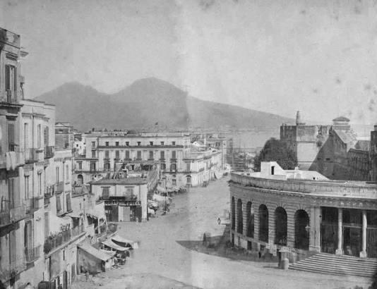 Napoli - Edificio della Gran Guardia di cavalleria (1858)
